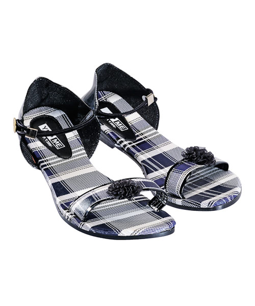 Yepme Black Sandals